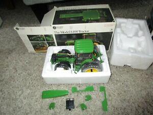 John Deere Farm Toy Precision Series Classics 8400 Tractor w/ Box