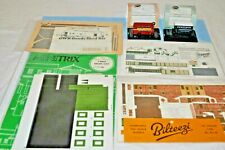 2 x Oxford N Gauge Diecast Model Vehicles & 4 X Cardboard Buildings Job Lot.