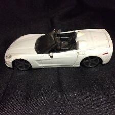 Maisto 2005 Chevrolet Corvette Convertible White 1/43 Scale