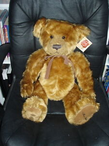 2. RUSSELL BERRIE - HANLEY 2004 - LIMITED EDITION BEAR 1455 of 5000 - MINT COND