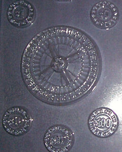 MEDIUM SIZED ROULETTE WHEEL AND FIVE GAMBLING CHIPS CHOCOLATE MOULD