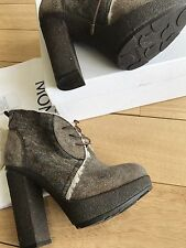 Moncler St Germain Shoes Merino Fur Leather Italy Size 38 USA 8