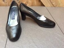 STUART WEITZMAN FOR RUSSELL & BROMLEY BLACK LEATHER MID HEELED COURT SHOES 4UK