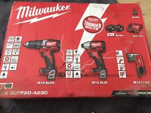 Milwaukee M18 BPP2C-402 Drill and Impact Driver 18V 2 X 4.0ah Li-Ion And Torch