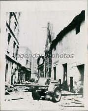 1941 World War II Russian Gun in Latvia Street Original Wirephoto