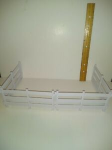"""BREYER STABLEMATES LOT OF 4 WHITE FENCES ONLY 5"""" x 2"""" HORSE FARM TOY PLAYSET"""