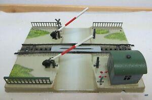 Märklin 7390 H0 Mechanical Actuated Railroad Crossing Tested