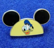 Donald Duck Pin Donald on Mickey Hat Limited Edition Pin/pins