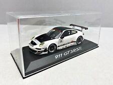 1:43... Minichamps -- Porsche 911 gt3 rsr #08 en plexibox/4 B 873