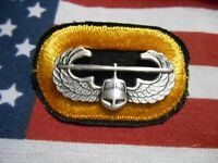 US ARMY 327TH INFANTRY REGIMENT AIR ASSAULT BADGE ON PARA OVAL C/E