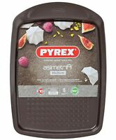 Pyrex 33 x 25 cm Large Metal Asimetria Easy-Grip Baking Tray, Brown