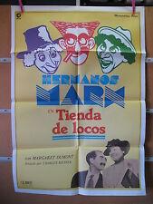 A2572  TIENDA DE LOCOS HERMANOS MARX
