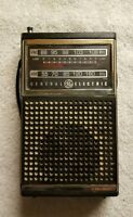 General Electric 7-2500A FM/AM Portable Radio Vintage GE TESTED FREE SHIPPING