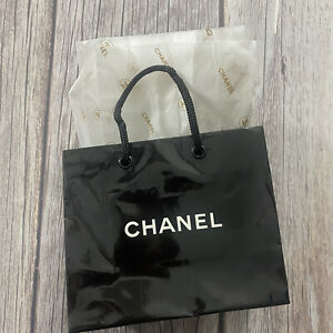 Chanel Reusable Paper Plastic Shopping Gift Bag 4.5x5.5x2.5 inch W/ Tissue Paper