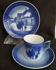 ROYAL COPENHAGEN BRINGING HOME THE CHRISTMAS TREE CUP SAUCER PLATE 1980