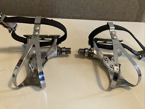 shimano dura ace pedals With Toe Clips And Straps