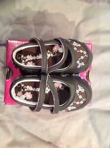 Sketchers Girls MaryJane chocolate  brown pink floral Shoes Size 5