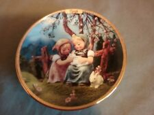 Season of Joy March by M. J. Hummel Calendar Plate Goebel 1999