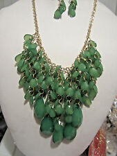 Green Faceted Lucite Drops Gold Tone Link Necklace Earring Set