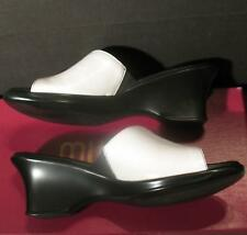 """Munro American Womens Serena White Mules Shoes Size 8.5 N Soft Stretch 3"""" Heel"""