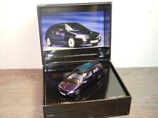 Mercedes F100 1991 - Spark 1:43 in Box *34906