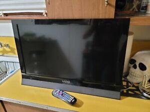 """Vizio Razor Led 26"""" Flat Screen TV. M260va. With universal remote."""