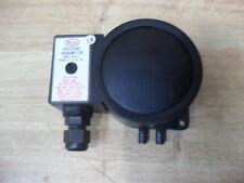 Dwyer Series 600 Pressure Transmitter Gauge Model 604A-2 New