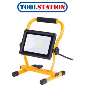 240V LED Portable Work Light IP65 30W 2250lm