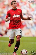 "ROBIN VAN PERSIE ""RUNNING BEHIND BALL"" POSTER-Manchester United Football, Soccer"