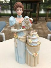 Mrs Albee Figurine AVON 40th Presidents Club Anniversary FULL SIZE Collectable