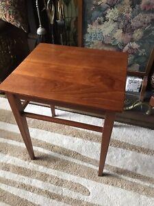 Mid Century Danish Teak Side Table Retro MCM Vintage 60's 70's Coffee Lamp