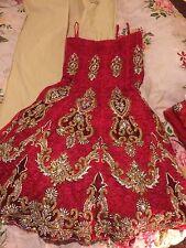 INDIAN Sposa Lengha Rosso Netto filo rosa con ricami in oro e argento