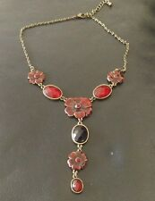 Costume jewellery necklace red and gold