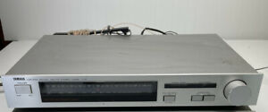 Vintage Yamaha T-07 Natural Sound AM/FM Stereo Tuner 1984 with Aerials.