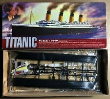 TITANIC HISTORICAL SOCIETY - R.M.S TITANIC - 1/800 PLASTIC KIT NUOVO