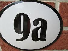 Hausnummer Oval Emaille schwarze Zahl Nr. 9a  weißer Hintergrund 19 cm x 15 cm