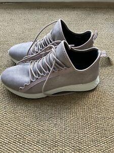 Ecco Ladies Leather Trainers Size 6