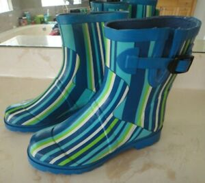 STEVE MADDEN Striped Blue/White/Green Buckle Rubber Boots Women's Size 7