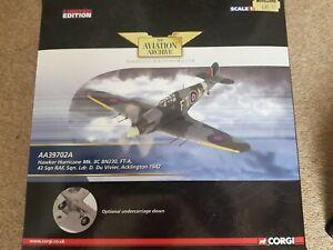 RARE CORGI AA39702A HAWKER HURRICANE MK11C 43 SQN ACKLINGTON 1942 DU VIVIER...