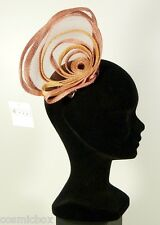 Chapeau de cérémonies pour femmes pince RUE du BAG made in France rose & beige