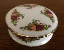 Round Trinket Box with lid Old Country Roses Royal Albert England unused 1980's