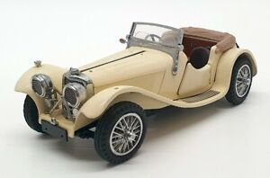 Franklin Mint 1/24 Scale D1B4215 - 1938 Jaguar SS 100 - Ivory