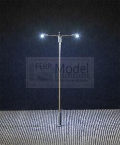 FALLER 180203 - Lampione stradale illuminato a 2 braccia. Scala H0 1:87