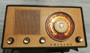Poste de radio vintage Philips à dépanner