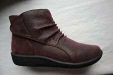 New Dark Plum Leather CLARKS Cloudsteppers Sillian Sway Ankle Boots 6 W