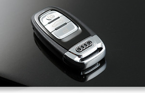 *Program available*Brand New AUDI Remote Uncut Flip Key A4 A5 A6 Q5 A7 A8