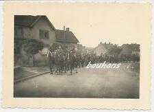 Foto Frankreich-Dorf-Pferdegespanne-Wehrmacht  2.WK  (h805)