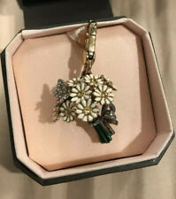JUICY COUTURE Daisy Bouquet With Butterfly Charm