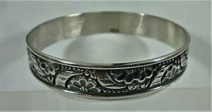 Ed Levin Signed Sterling Silver Bangle Bracelet Floral Design 33.4 Grams