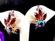GORGEOUS BEAU JEWELS GOLD-TONE RUBY RED AB RHINESTONE TIERED SPRAY CLIP EARRINGS